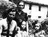 Ton Vilà i Isabel Santamaria amb les bessones